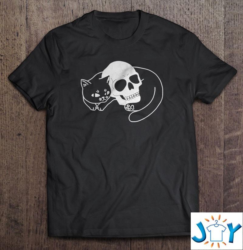 Spooky Cat Classic Unisex T-Shirt